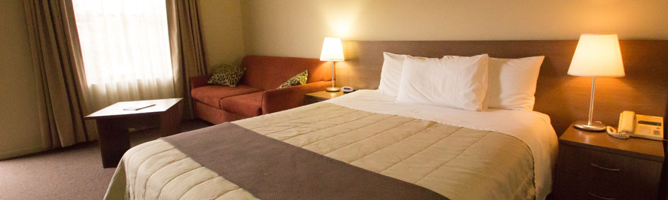 Comfortable and spacious Superior room at Old Willyama Motor Inn